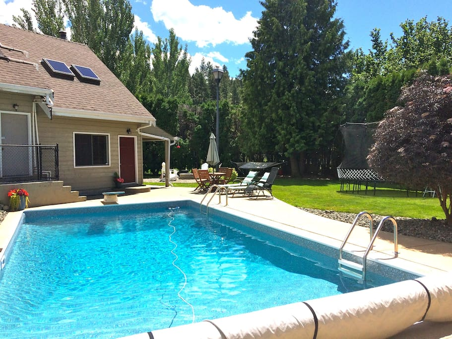 Full Cottage Pool Lake Wine Bbq Cottages For Rent In Okanagan Falls British Columbia Canada