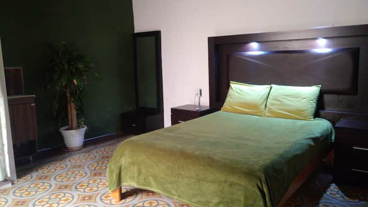 Oliva Luve.   habitación privada con  baño