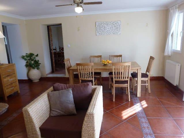 Finca Mora, hübsches Anwesen auf dem Land mit Pool - Chiclana de la Frontera - Huis