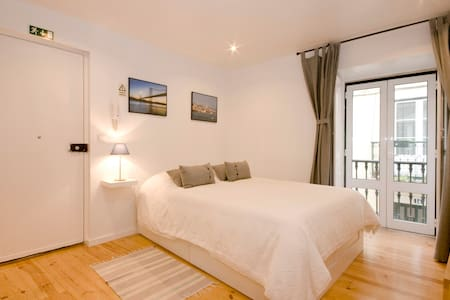 Lovely flat between Graça & Alfama - Lisboa - Appartement