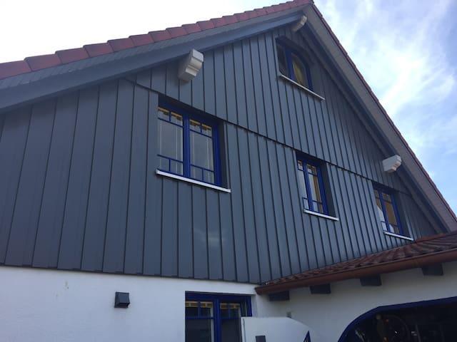 Separates kl. Dach-Studio mit Charme
