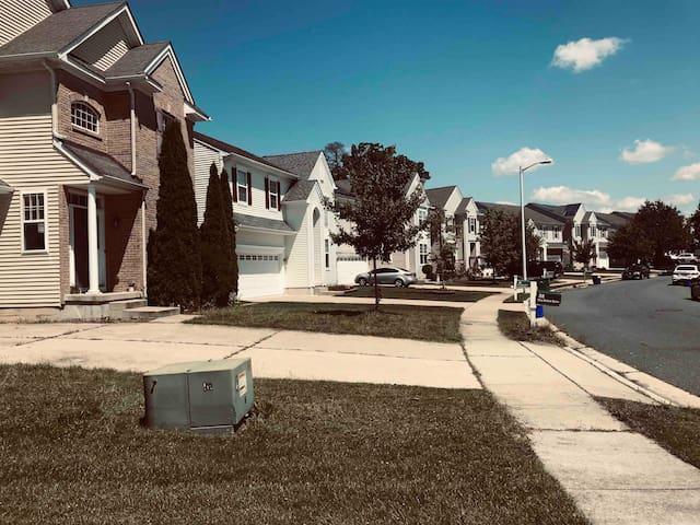 Home w lots  of amenities, safe neighborhood 4