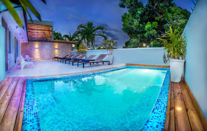 Dominican Republic 8BR Bachelors Allowed + Bonus