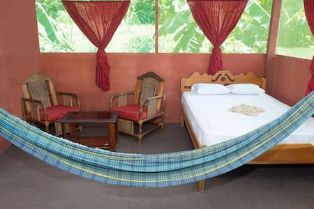 Maniti Camp Expeditions - Iquitos - Bungalo