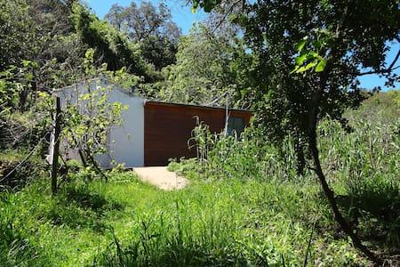 Casinha da Fonte – a small cabin - Aljezur - Cabane