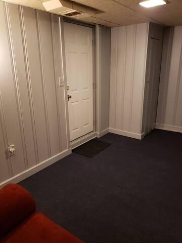 i bedroom basement aprtment