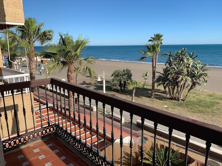 apartamento primera linea de playa