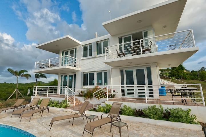 Oceanview Villa with Pool & 4 Full Baths Sleeps 10