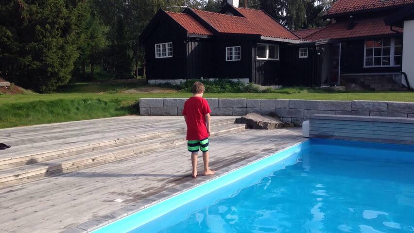 Rustic cottage w/ sea view near Oslo- PRIVATE POOL