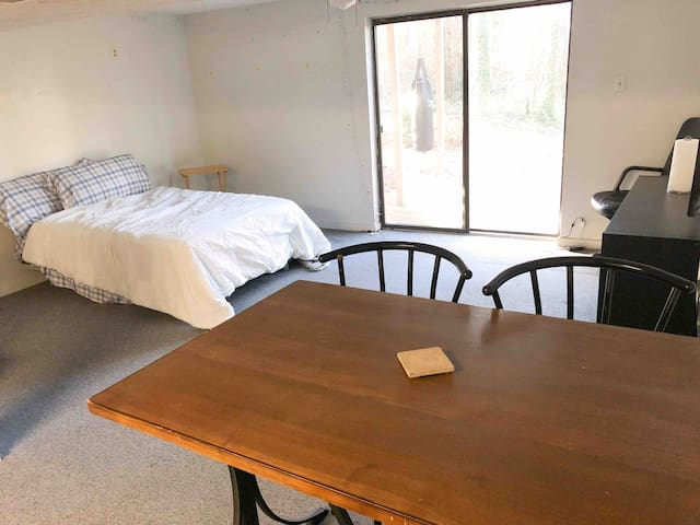 Peaceful & Clean Near Lake Peachtree City Stay