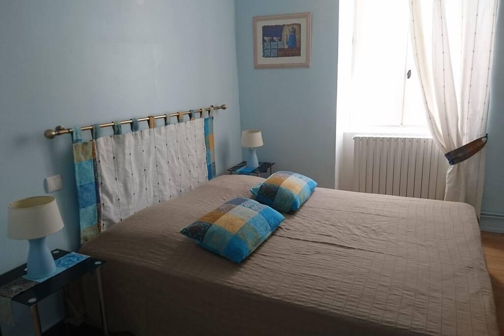 la chambre bleue lit de 160