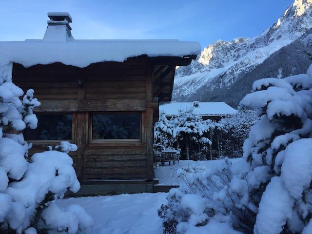 Chambre dans petit chalet de montagne aux houches