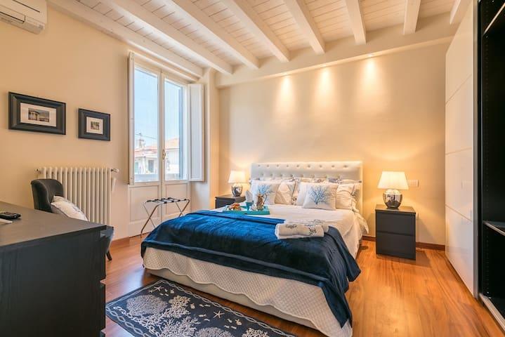 Exclusive 'viareggina' liberty-style villa, 210 m2
