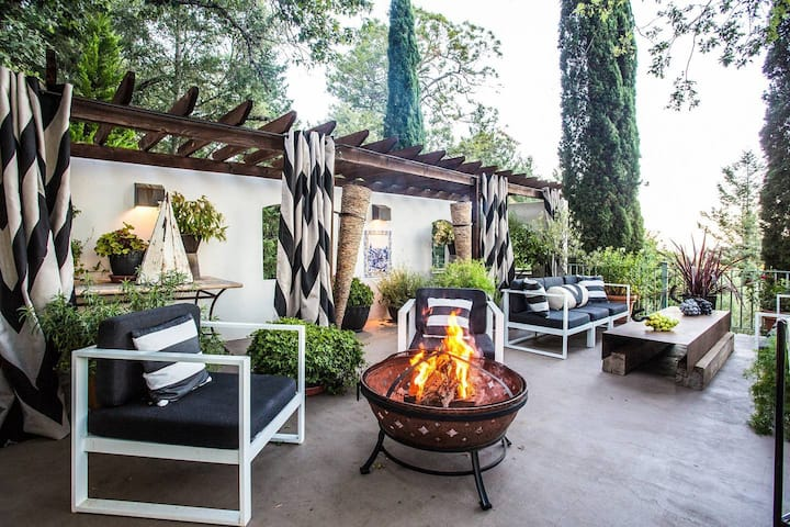 Modern Villa on Private Vineyard