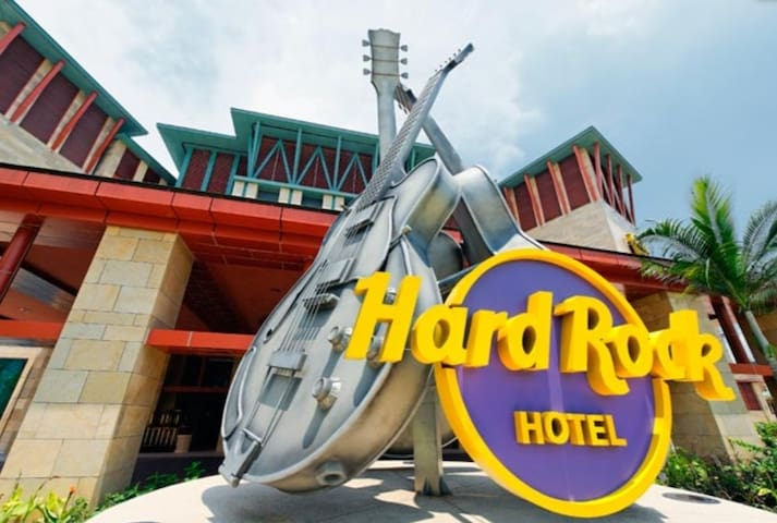 Hard Rock Hotel Sg  $300/Night/Jan-feb