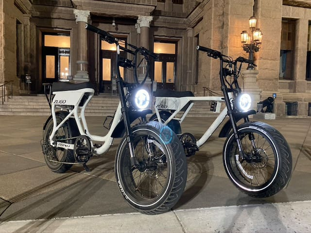 Beautiful Trailer in Heart of Downtown with eBikes