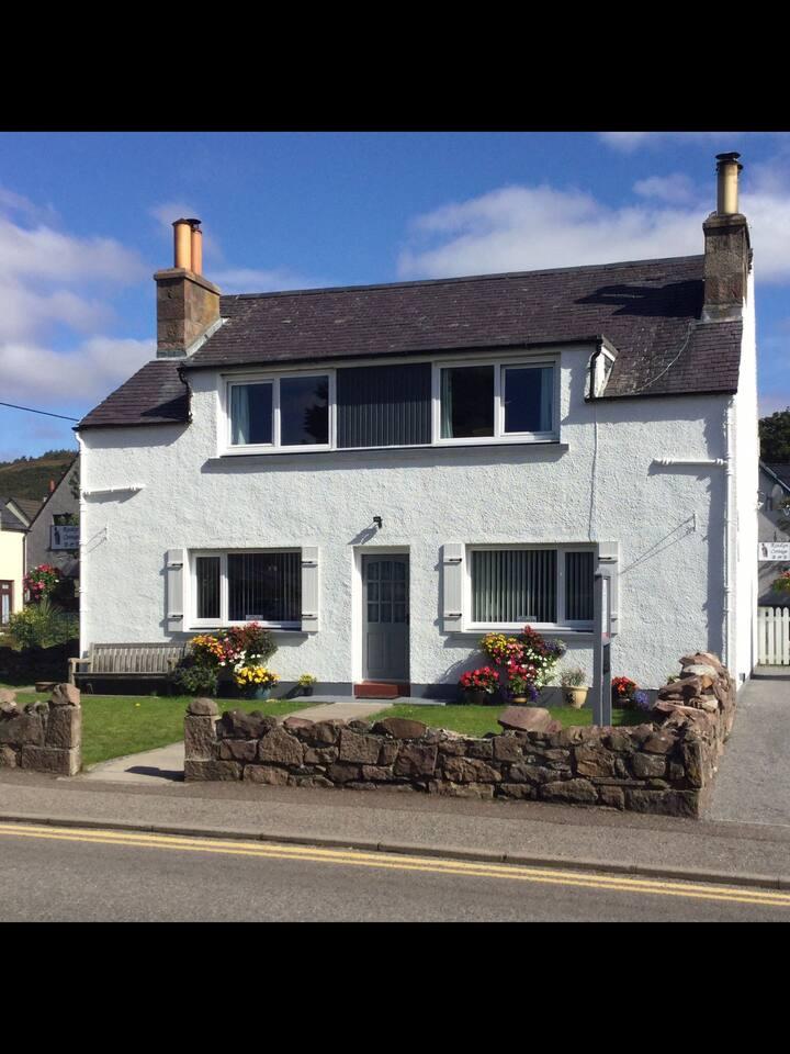 Modern Traditional Highland Cottage.