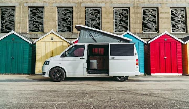 Barbarella – 4 Berth Cosy VW T5 Campervan
