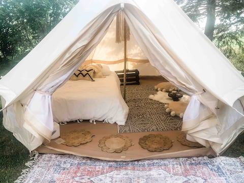 Glamping at the Peaceful, Beautiful J+M Homestead.