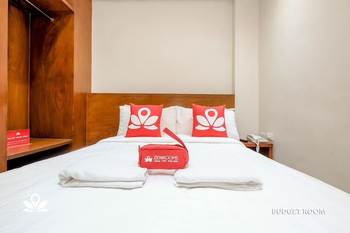 Premium Room at West Makati Hotel (5)
