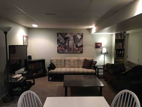 Comfy, Private, 2 Bdrm Suite BEST location in city