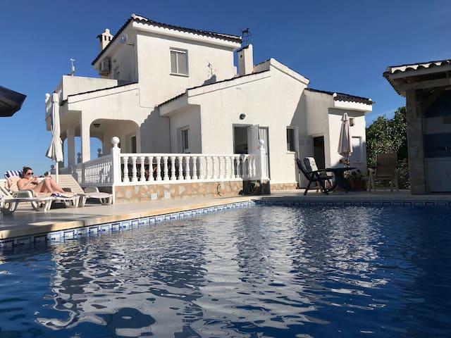maison de vacances avec sa piscine privée