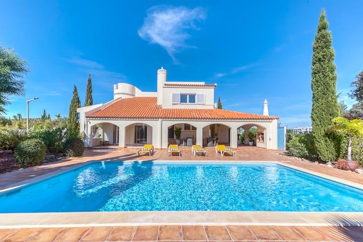 Casa Bodil, voor 10 personen met privézwembad