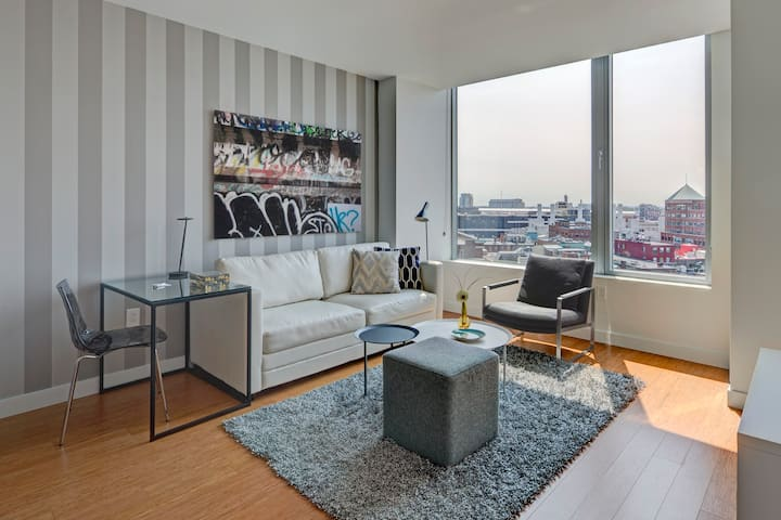 Chic 1 bed in Financial District