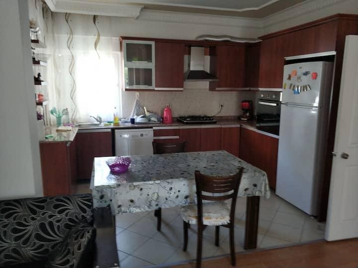 Уютная квартира 2+1 600 метров от моря! Лиман.