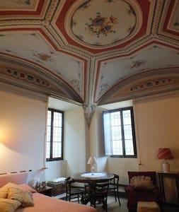 Residenza d'epoca a Montottone - Montottone - Bed & Breakfast