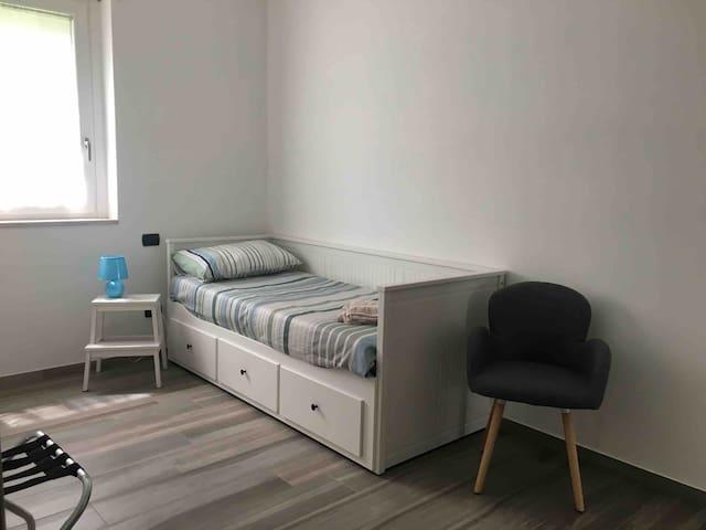 Camera singola con secondo letto