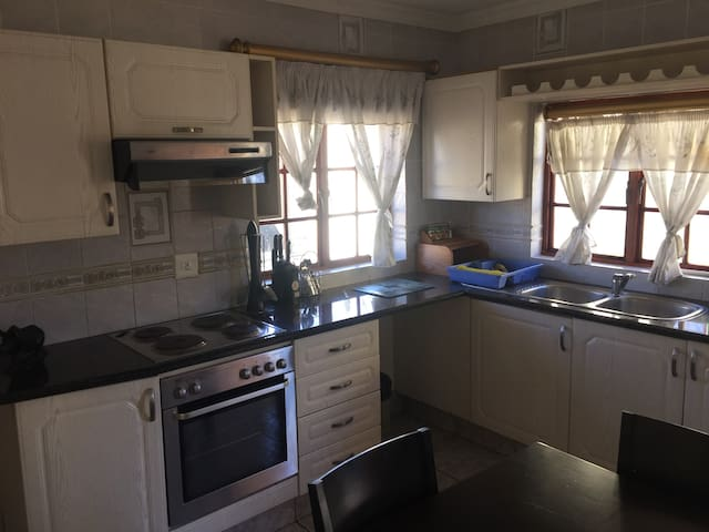 1 Bedroom self catering cottage - Edenvale