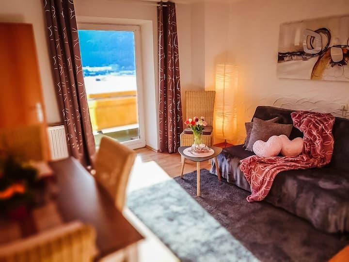 Renovierte 2-Zimmer Wohnung + Traumhafter Ausblick