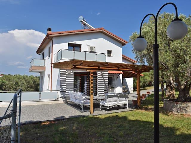Villa Victoria - Nea Moudania Halkidiki