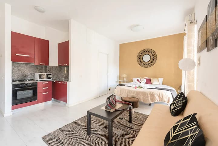STYLISH STUDIO NEAR COLOSSEO AND TERMINI