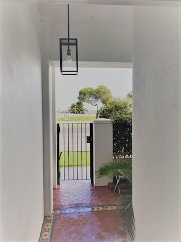 Private entrance & courtyard facing St Kilda Beach