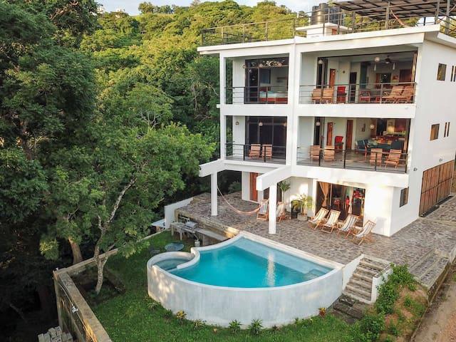 Casa Paraíso in Maderas Valley - Walk to Surf