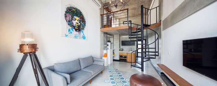 B21 Comfy & Spacious Seminyak Loft with Balcony