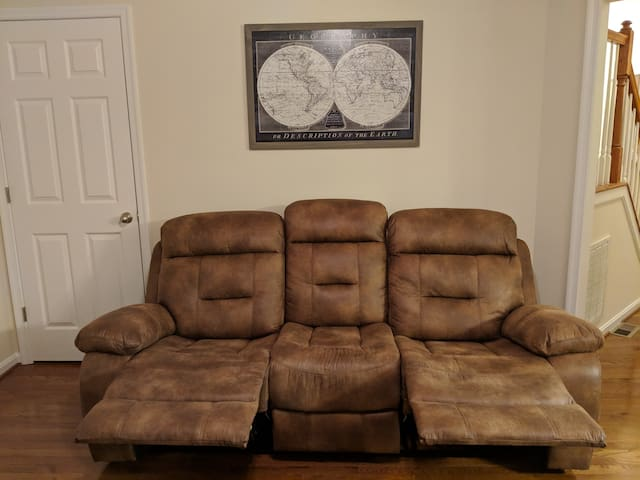 More recliners!