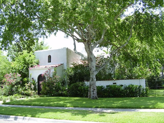 Enjoy the ambiance of this beautiful Spanish Villa