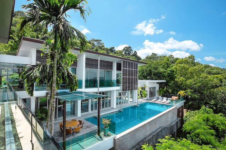 4-BR Seaview Villa with Gym and Cinema Room