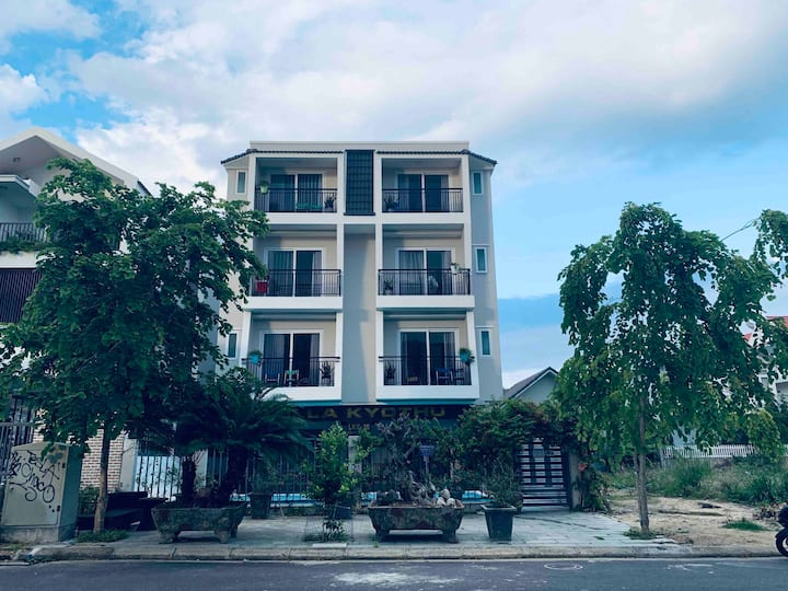 Private Ocean Front 2 BDR Apt w/ Strong Aircon 202