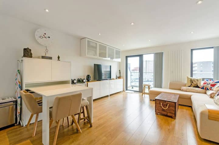 Cosy Penthouse Double Room Excel O2 Canary Wharf!