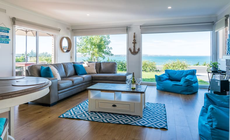 Talisman Stunning Clifftop Ocean Views