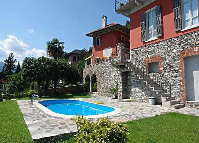 Domus 4 flat on the lake Orta with pool