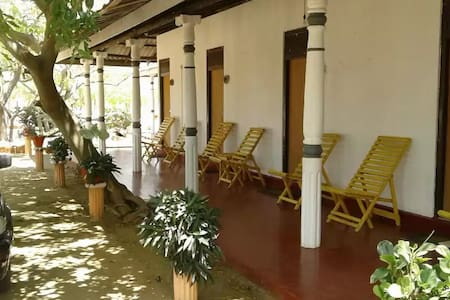 Hotel Karadiya Reach - Kurinchanpitiya - B&B/民宿/ペンション