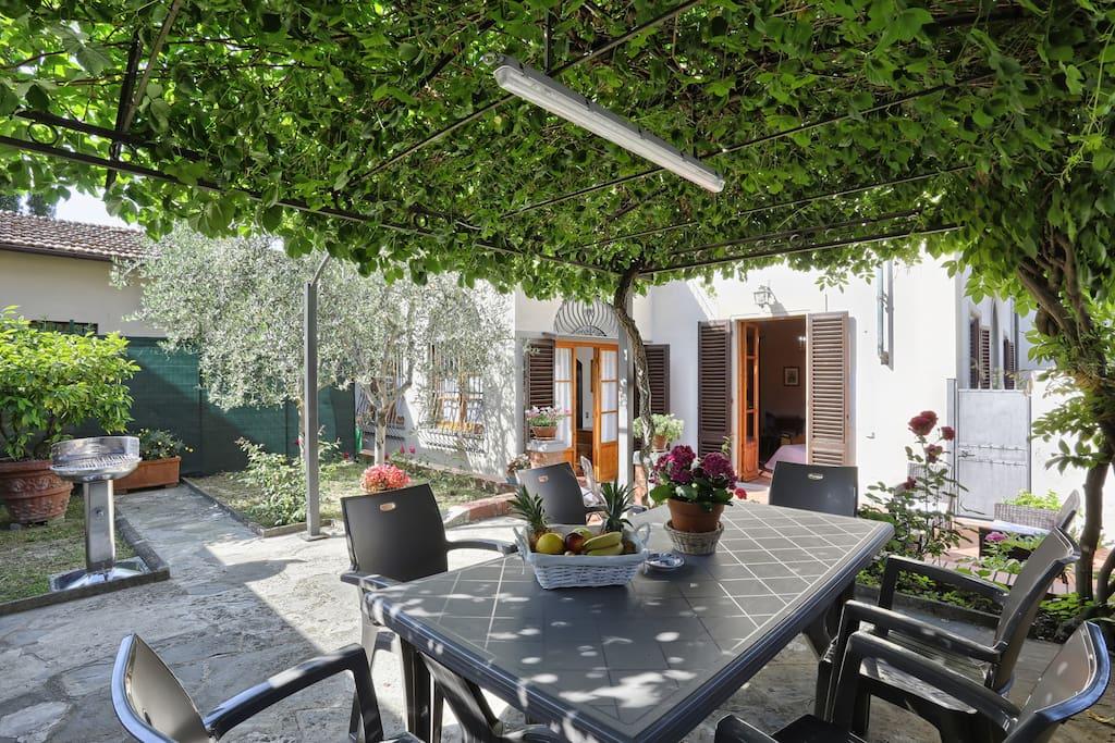 Villino de 39 pucci ville in affitto a lastra a signa for Piani domestici contempory