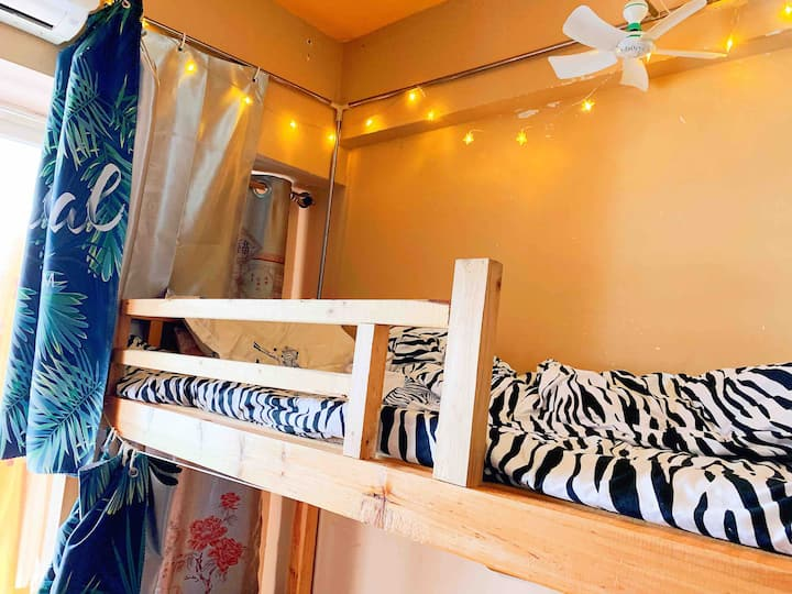 谷埠街国际商城空中花园住宅区合租上下铺床位 男生一个床位包水电网 实习生暑假工旅游穷游 栖客青年旅舍