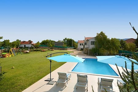 Exclusive, Elegant and Delightful Pool Property - Trilj Trilj