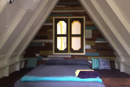 A-frame Tree Cabin Y - Steps From Great Surf - Bocas del Toro Province - Natur-Lodge